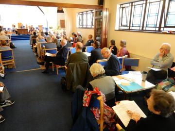 Synod Oct 2017 met 'cafe style' around small tables